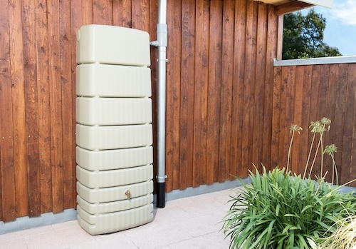 Pourquoi installer un récupérateur d'eau dans son jardin ?